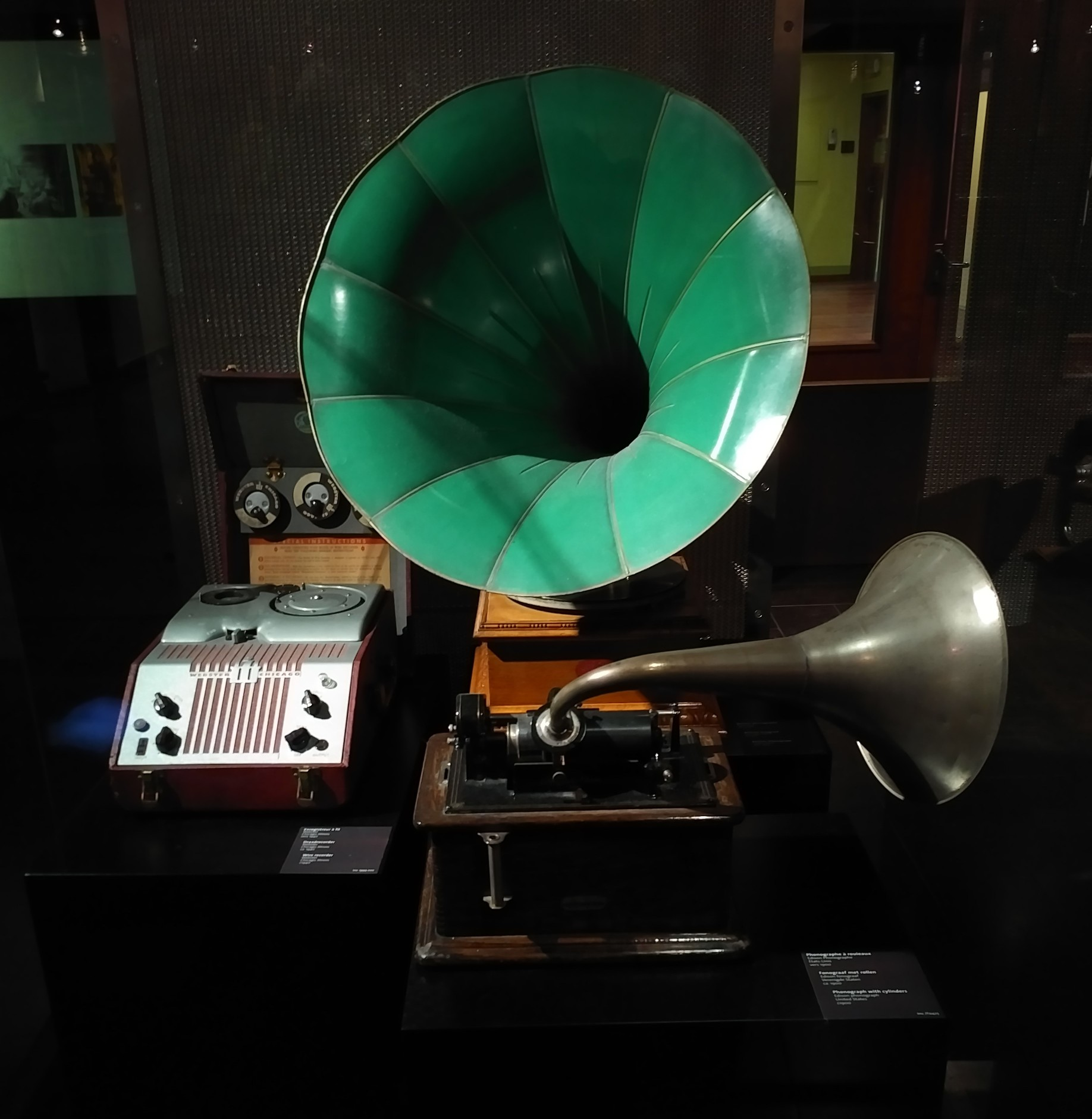 Old phonographs at the MIM