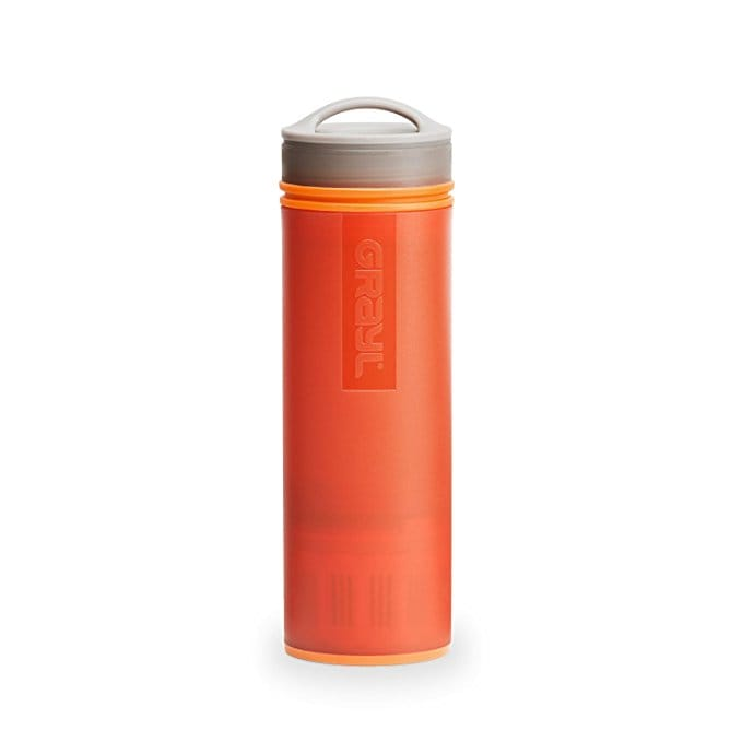 Water bottle with purifying filter