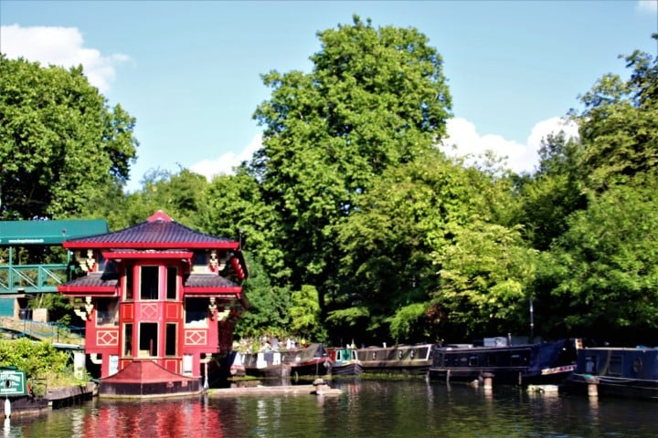 Feng Shang Princess - a Chinese restaurant on the canal