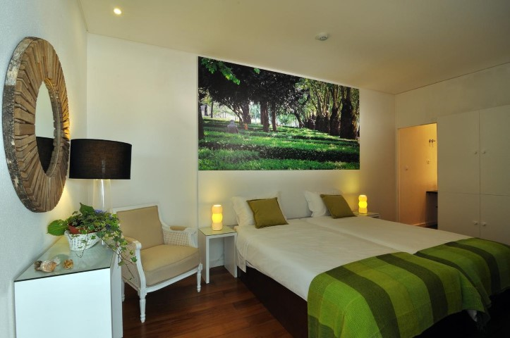 Gallery Hostel Porto budget accommodation