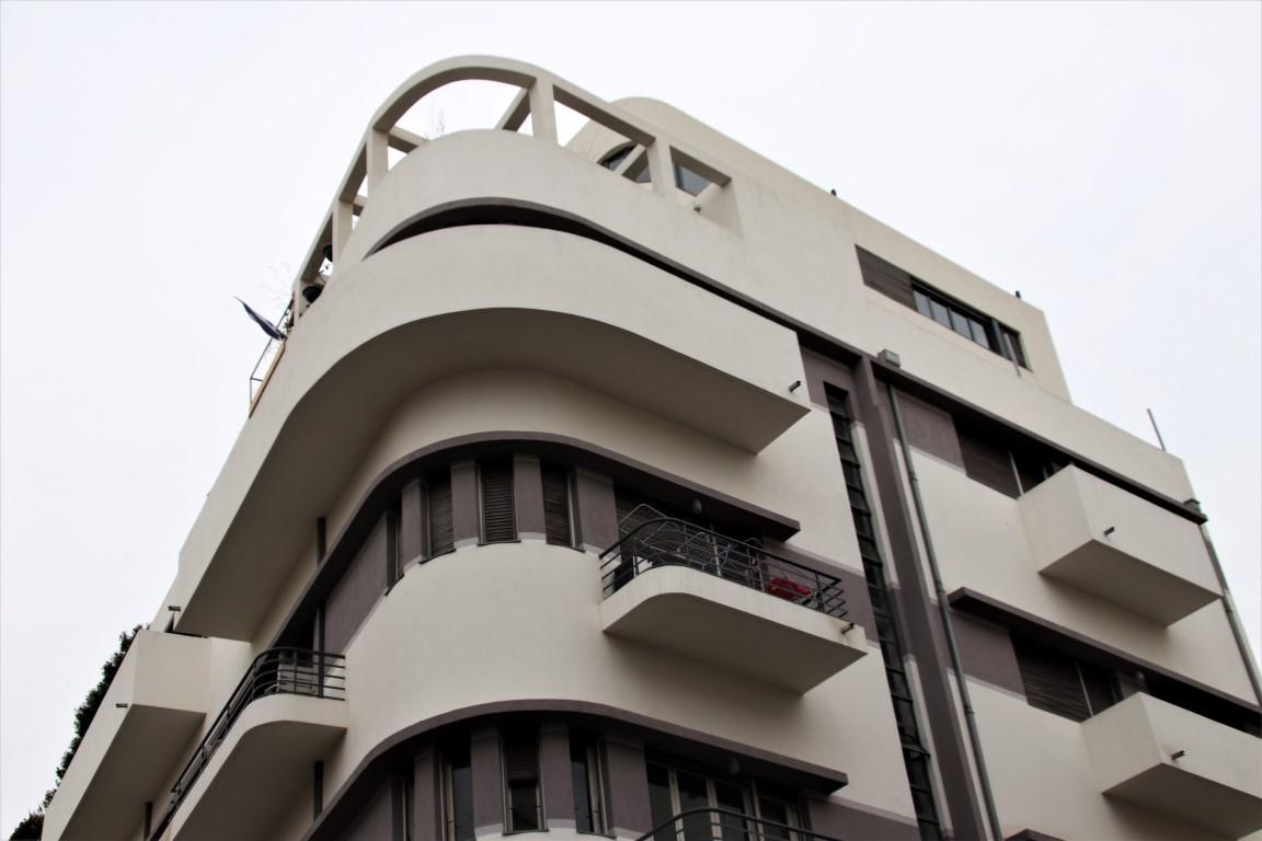 Ehrlich House - Bauhaus building in Tel Aviv