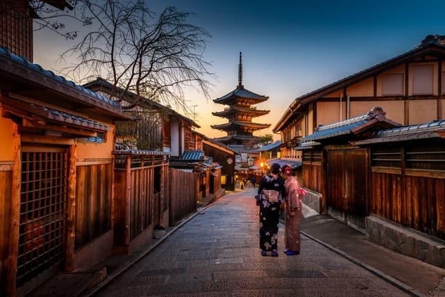 Kyoto's Gion district virtual tour
