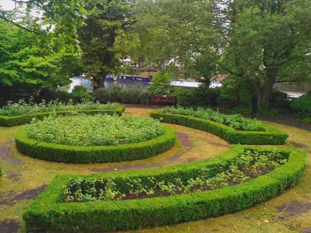 Rembrandt Gardens London