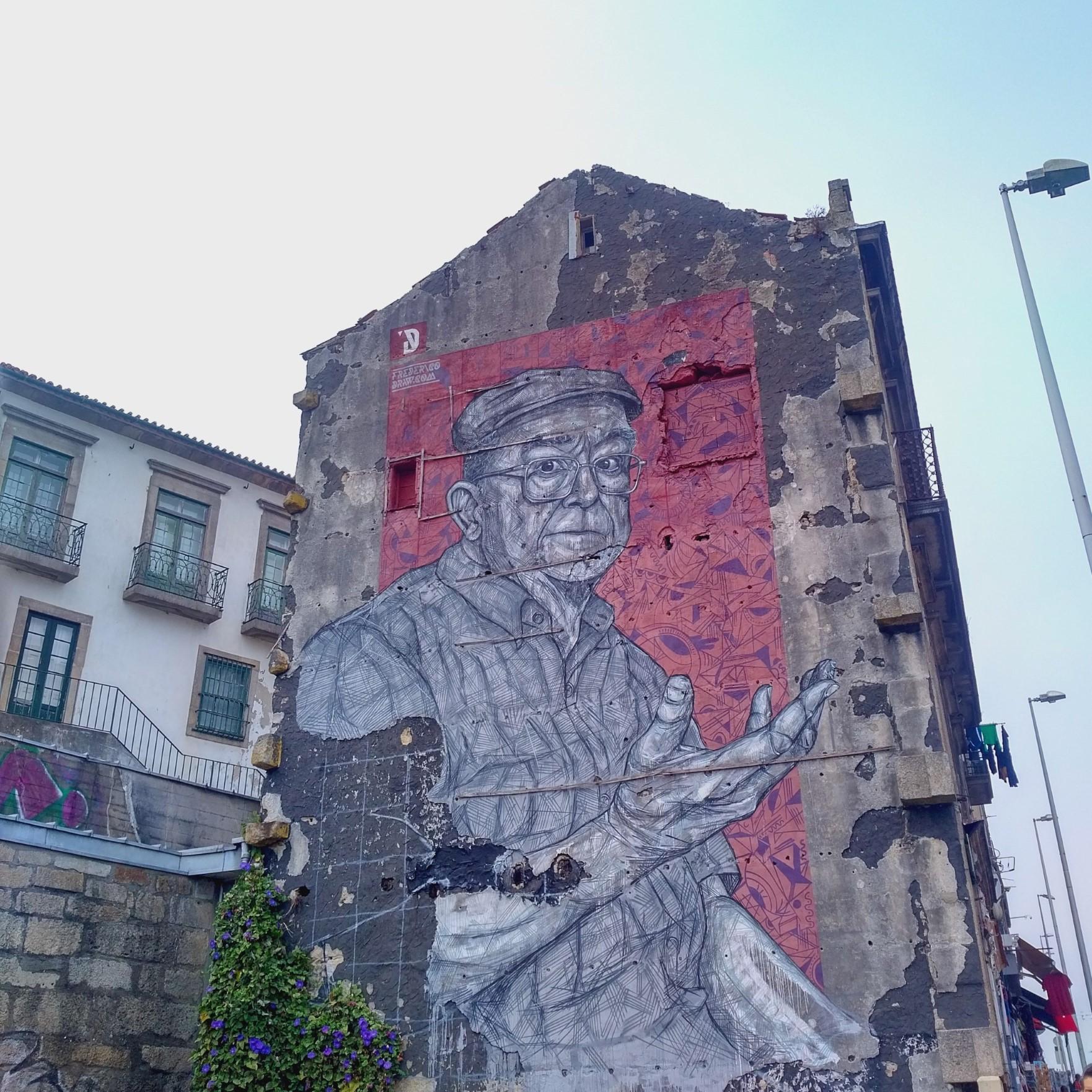 Street art in Porto by Frederico Draw