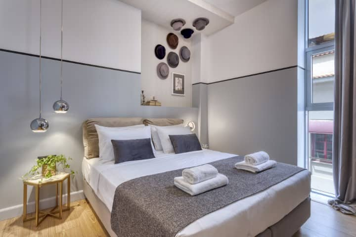 The Pinnacle Hotel bedroom - Boutique Hotels in Athens
