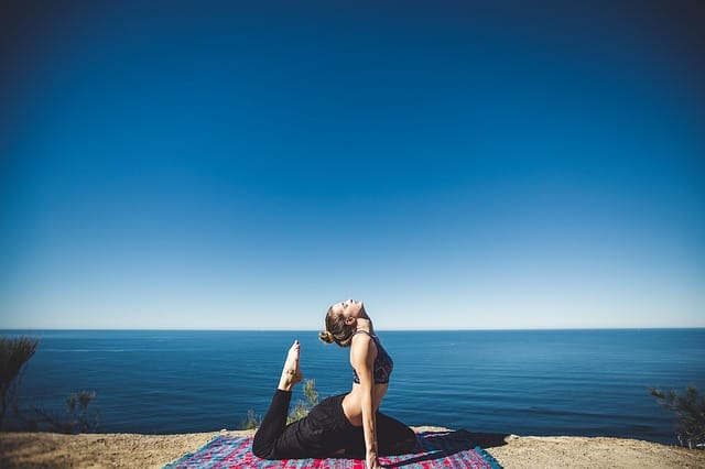Yoga lessons in beautiful locations with Airbnb Experiences