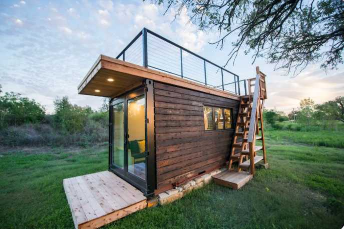 Tiny house on Airbnb